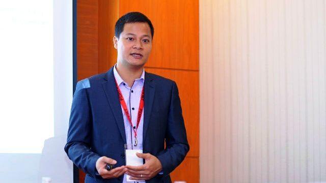 Ông Nguyễn Gia Đức- Giám đốc Fortinet Việt Nam giới thiệu dịch vụ FortiCare 24x7 vừa đạt được thỏa thuận với các nhà cung cấp
